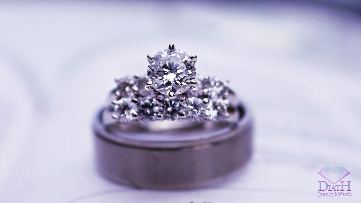 なぜ?ダイヤモンド、宝石、貴金属ジュエリーの買取価格がお店によって全く異なるワケ。新品宝石店であるディアスワタナベが大手買取チェーン店よりも高値を付けられるワケ。
