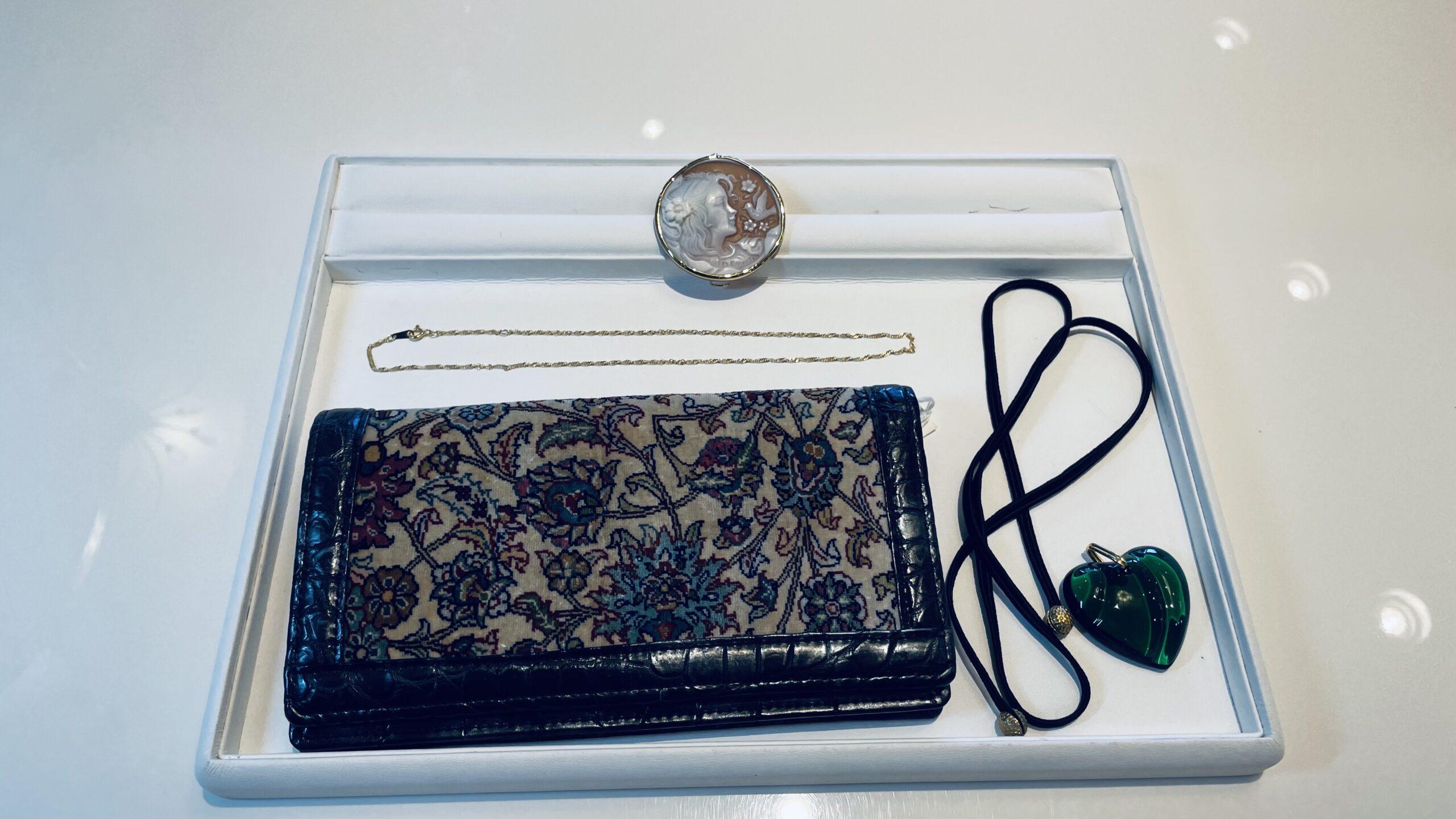 【買取速報】シェルカメオ、ネックレス、バッグ・財布、ブローチ、ペンダント、750、K18YG、BACCAR-2021-02-19