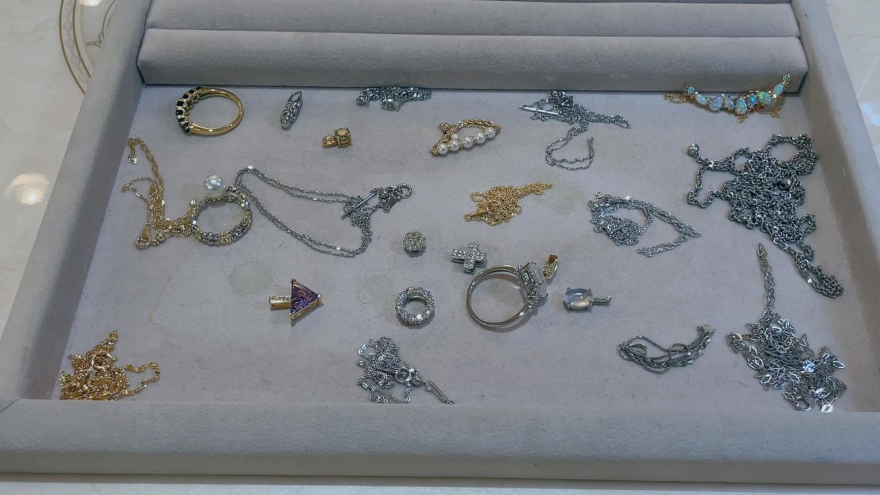 【買取速報】アメジスト、グリーンガーネット、ダイヤモンド、パール、ネックレス、ブローチ、ペン-2021-08-31