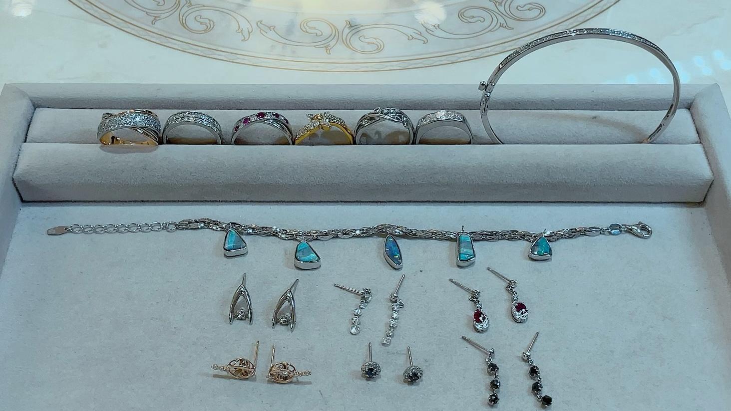 【買取速報】アレキサンドライト、ダイヤモンド、ブラックダイヤ、ボルダーオパール、ルビー、バン-2021-09-10